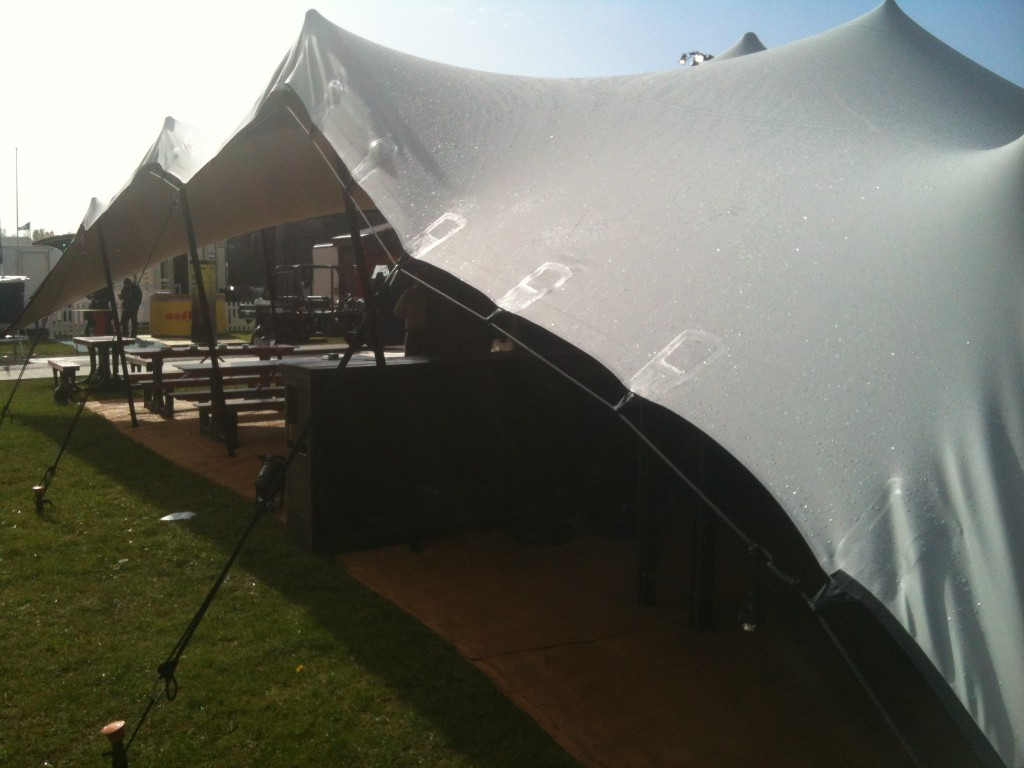 Silver_Stretch-Tent_Showmans