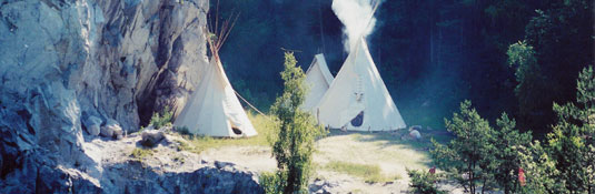 over_the_moon_tipi_02